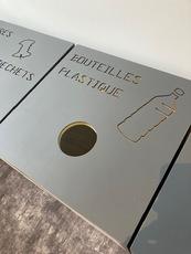 MENUISERIE MATZ FRÈRES - LE MUY - POUBELLES -  AGENCEMENT BANQUE -